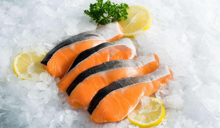 Cá hồi, cá biển giúp nam giới kéo dài thời gian quan hệ.