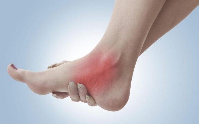 Đau khớp mắt cá chân, nguyên nhân và cách điều trị