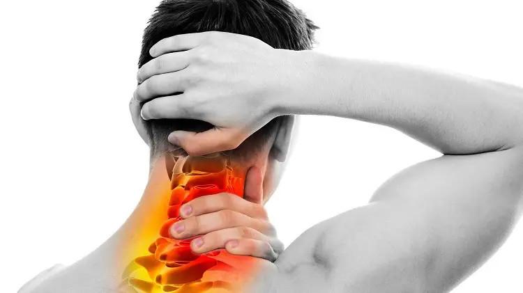 Đau nửa đầu đau vai gáy không xem coi thường bệnh này